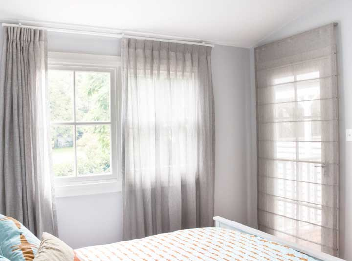 THE ROMAN BLIND Photo C Wide
